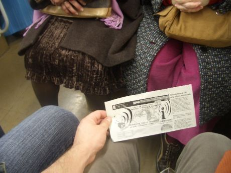 another one of the million things to do : Metro to Sants, drop flyers out to Contra Infos