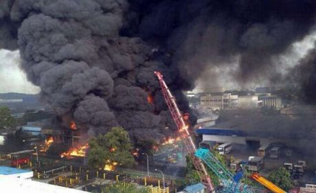 (Picture: 2013 Fire at Tuas Incinerator, Singapore)